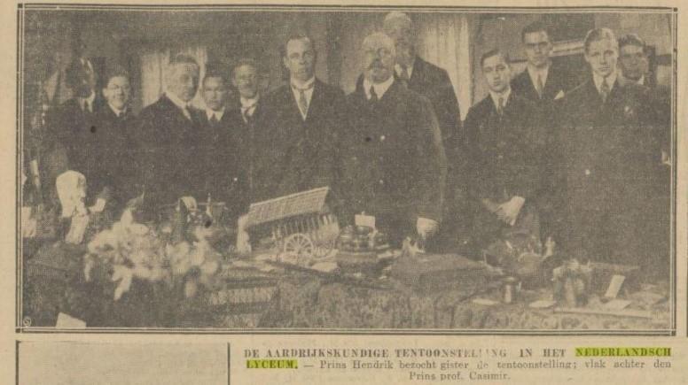 07 1927 13-04. Haagsche courant. Prins Hendrik bezoekt aardrijkskundetentoonstelling.