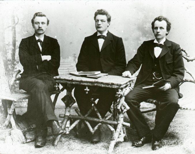 links: Willem Reindersma. midden: Rommert Casimir. rechts: Gerrit Postma.