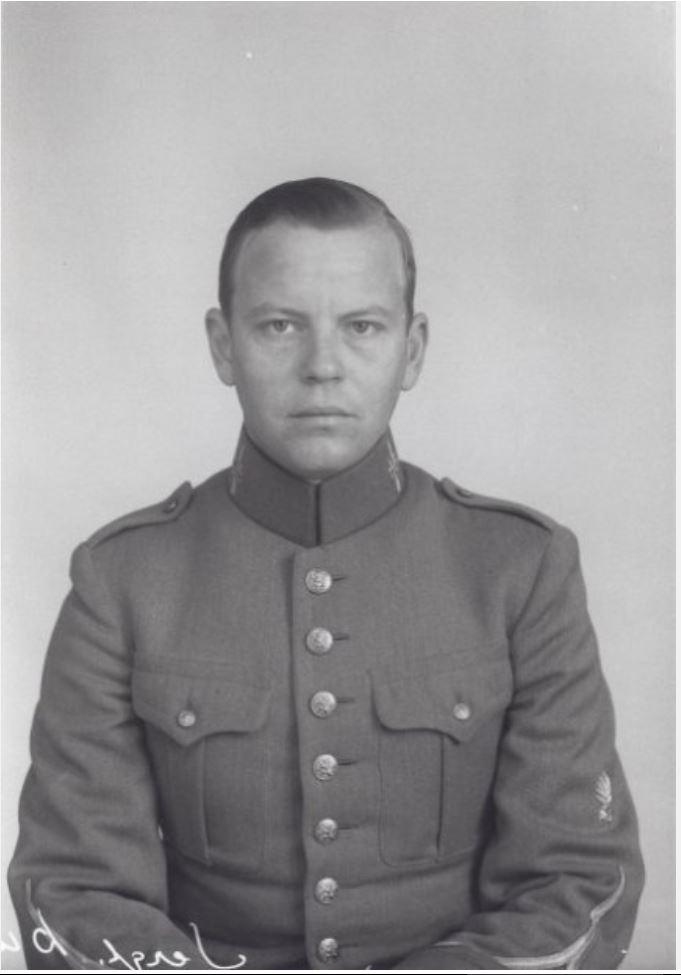 Eduard Willem Dunlop. Eddy. oudste broer van mijn vader.