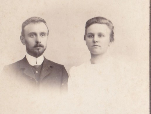 Willem Reindersma en Lefferdina Süthoff. Opa en oma Reindersma.