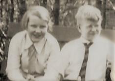 1900-1946-div-fam-dunlop-001els-mar-grumpy-opaD
